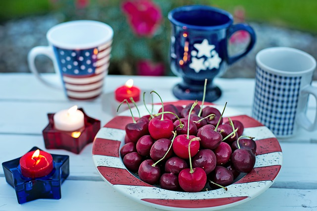 4th of July place setting with a bowl of cherries